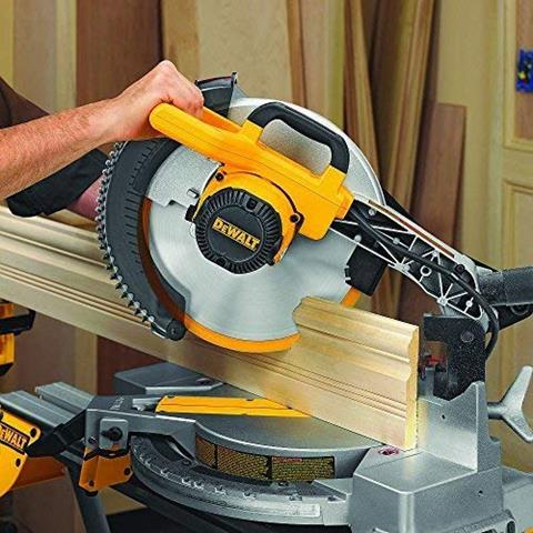 DEWALT DW715 15-Amp 12-Inch Single-Bevel Compound Miter Saw Reviews
