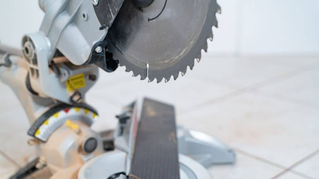 miter saw blade with 45 degree cut